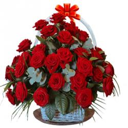 Valentine Exotic Flower Arrangements To Hyderabad