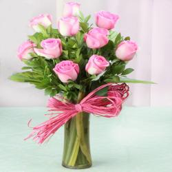 Glass vase of Ten Pink Roses For Valentine